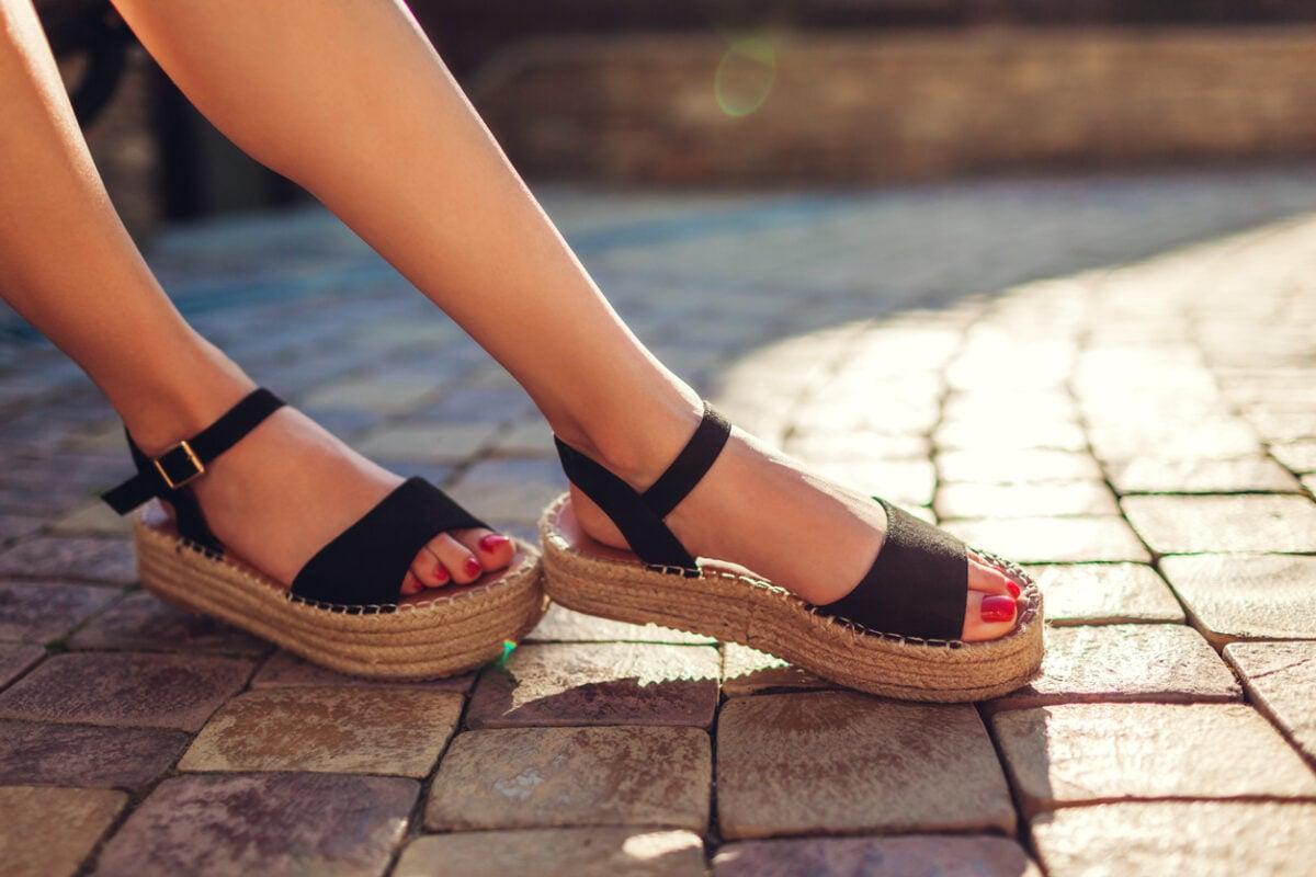 Sandali platform come abbinarli