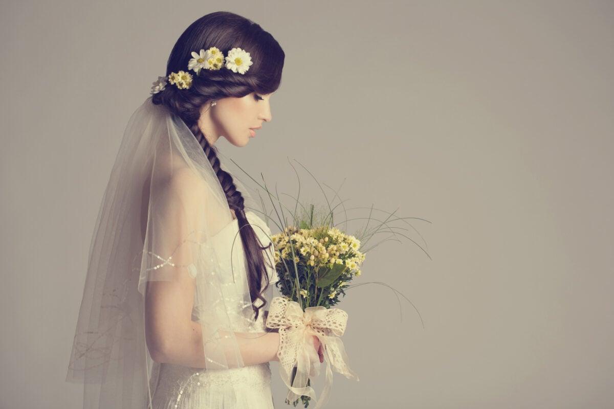 Acconciature sposa con fiori, consigli e spunti