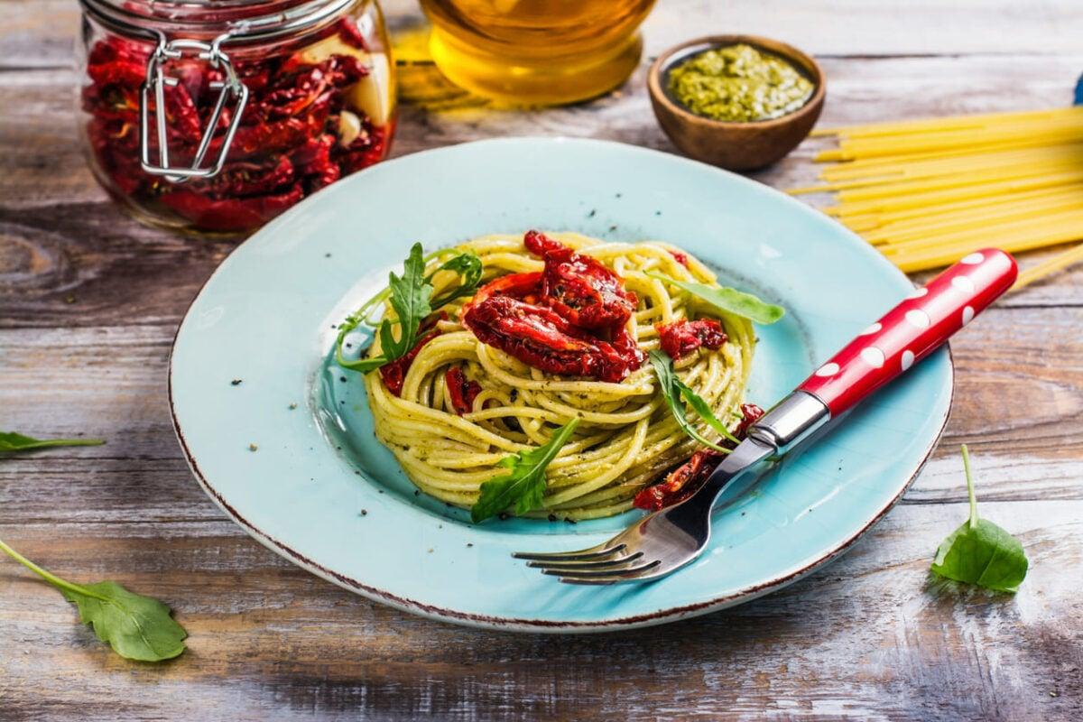 Ricetta detox: spaghetti integrali con rucola