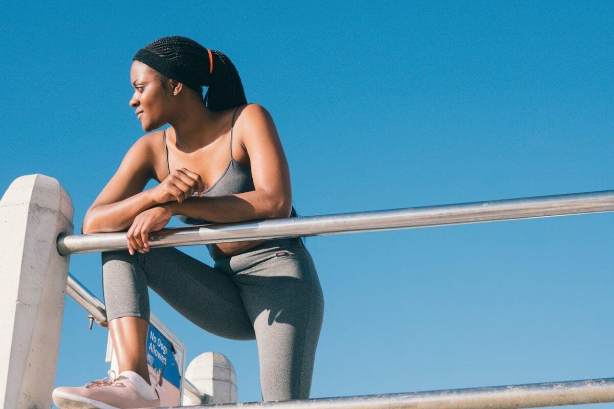 Abbigliamento workout: i migliori outfit per allenarsi d'estate