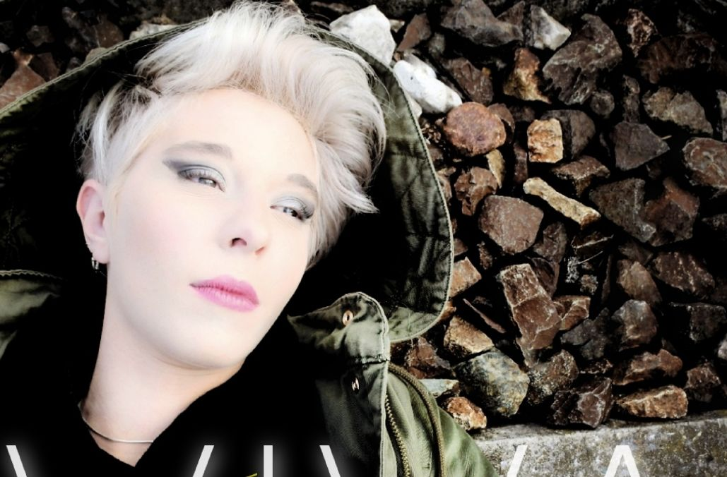 """""""Viva"""", il quinto singolo di Bianca, cantautrice milanese"""