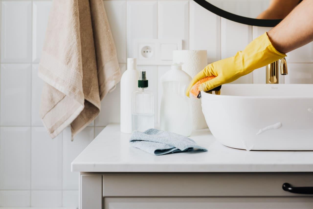 Come pulire casa dopo le vacanze estive