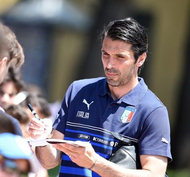 Il portiere Gigi Buffon a Coverciano