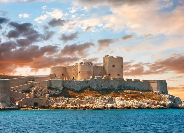 Chateau d'If, il castello che sorge su un'isolotto al largo del Golfo di Marsiglia.